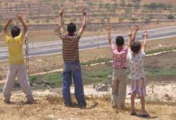 La cronica fame dei bimbi palestinesi