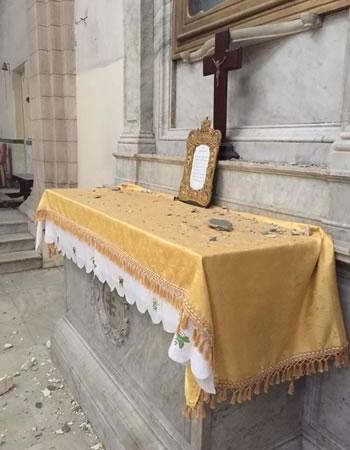 ... e su uno degli altari laterali...