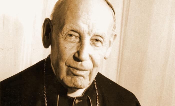 Un primo piano del cardinale Augustin Bea (1881-1968).