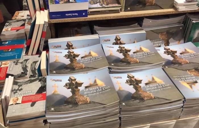 Il catalogo della mostra pubblicato dalle Edizioni Terra Santa. (foto G. Caffulli)
