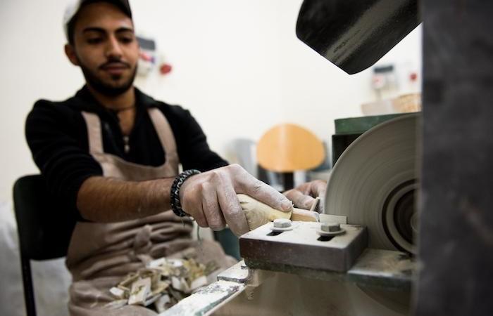 Un giovane allievo del laboratorio. (foto Nizar Halloun/CTS)