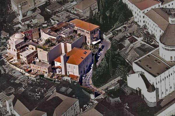 Una veduta aerea del Centro internazionale Maria di Nazaret. Il complesso, evidenziato in colore, sorge accanto alla basilica dell'Annunciazione. (galleria foto Cimdn)