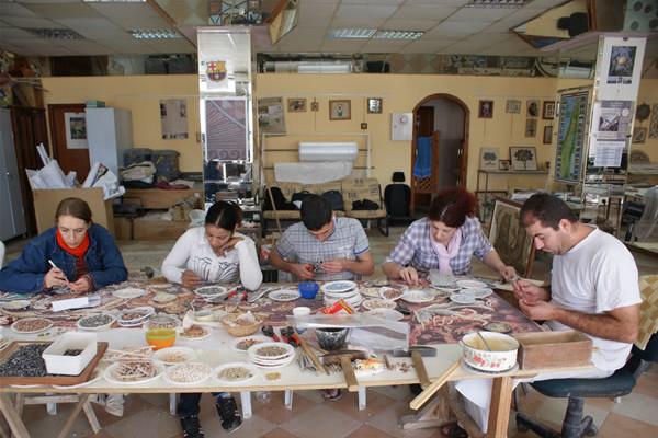 Al museo di Hebron mostra di mosaici «made in Palestine»