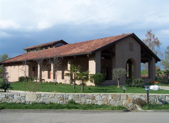 Magnano (Biella), veduta esterna della nuova chiesa del monastero di Bose.
