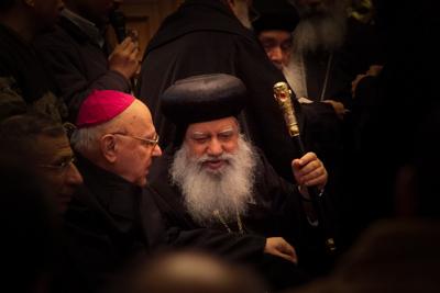 Al centro della foto, <i>anba</i> Abraham, il compianto arcivescovo copto di Gerusalemme.
