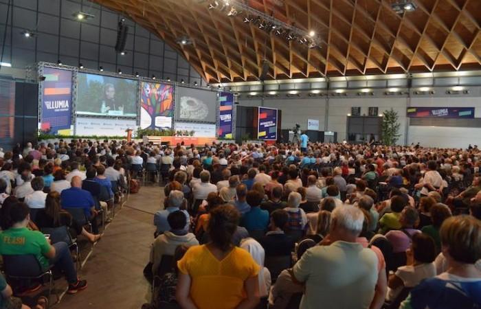1.500 persone hanno seguito l'intervento del Custode di Terra Santa. (foto Meeting Rimini)