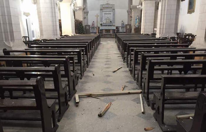 Lievi i danni all'interno della chiesa.
