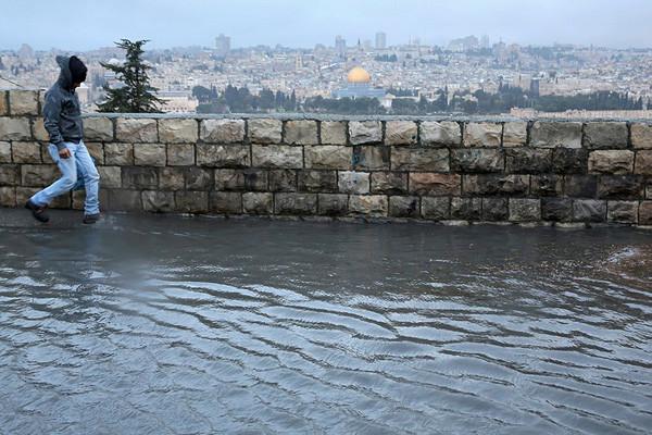 Forti piogge e maltempo in Terra Santa, ma i rabbini capo rendono grazie a Dio