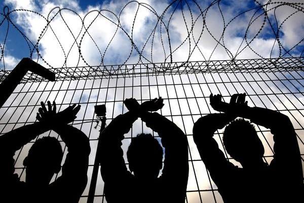 Israele, primi arresti di migranti irregolari africani