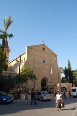 A Nicosia gli ultimi preparativi per accogliere il Papa