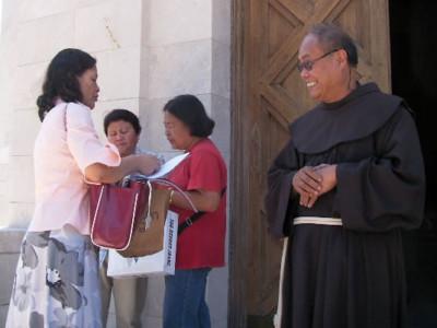 Cattolici filippini in Israele. Parla il cappellano