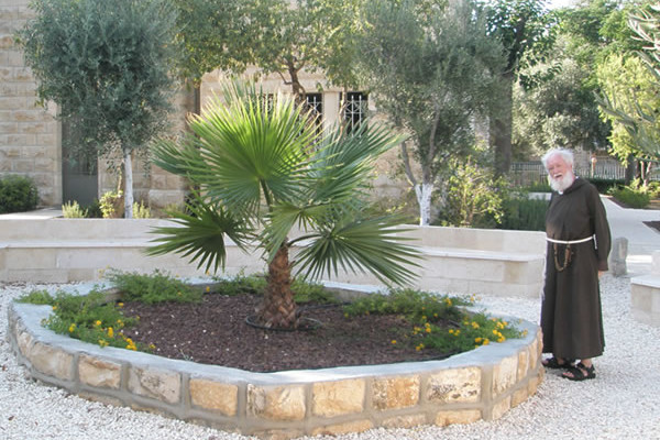 Fra Pasquale Rota nel centro di spiritualità cappuccino a Gerusalemme. (fotogallery 1/3)