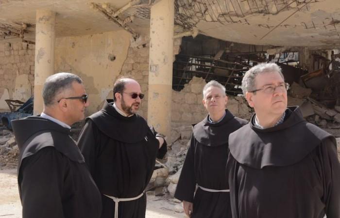 Da sinistra: fra Rachid Mistrih, fra Ibrahim Alsabagh, fra Michael A. Perry e fra Francesco Patton.