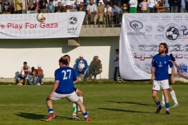 Gaza lancia il suo campionato «internazionale» di calcio