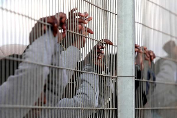 L'Alta Corte di giustizia israeliana boccia le norme contro gli «infiltrati»