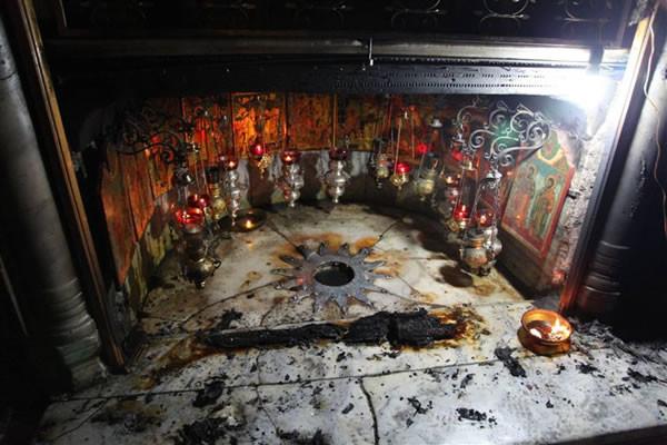 Un incendio accidentale, senza troppi danni, alla Grotta della Natività