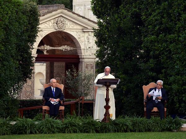 Per una pace tra uguali e fratelli, l'invocazione a più voci in Vaticano