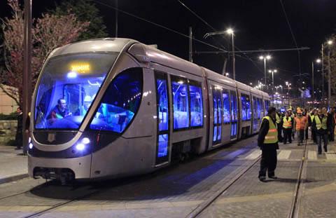 Gerusalemme testa il tram delle controversie
