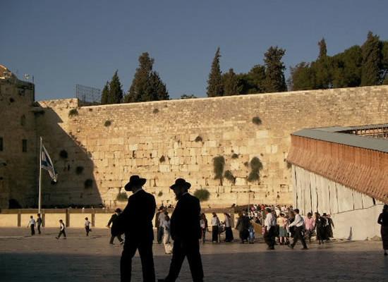 Mendicanti al Muro