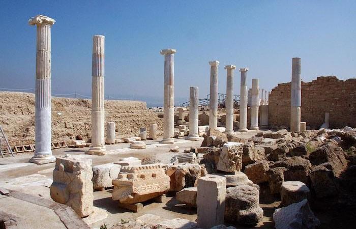 Il cosiddetto Tempio A di Laodicea, identificato con il Sebasteion (luogo di culto imperiale).