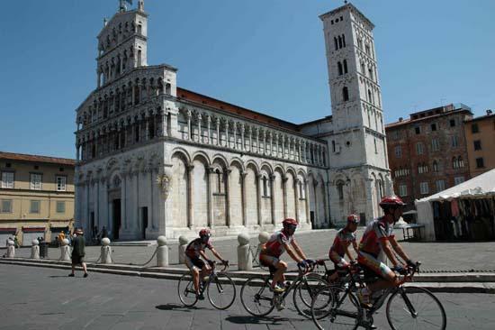 I ciclisti di <i>Overland</i> sono giunti a Roma