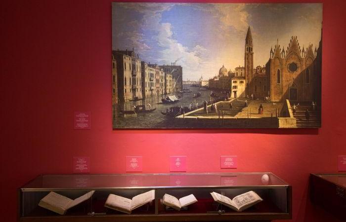 Un angolo del museo Nahon che, a Gerusalemme, ospita la mostra sulla Venezia ebraica.