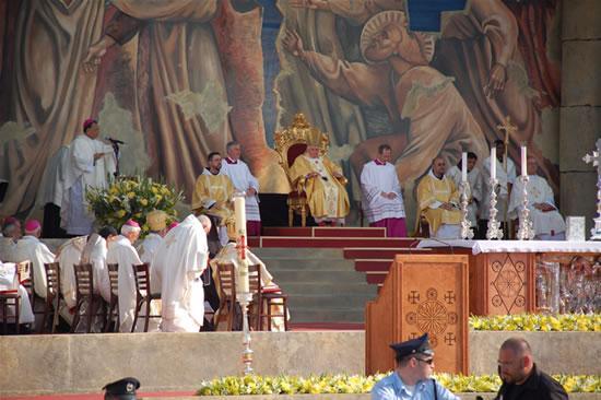Il Papa ai cristiani di Terra Santa: conosco la vostra sofferenza