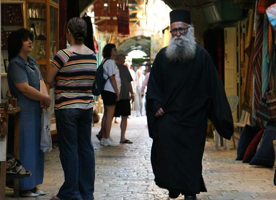 I rabbini: Quegli sputi un'offesa a Dio