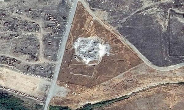 Quasta immagine testimonia l'avvenuta devastazione del sito archeologico del monastero.