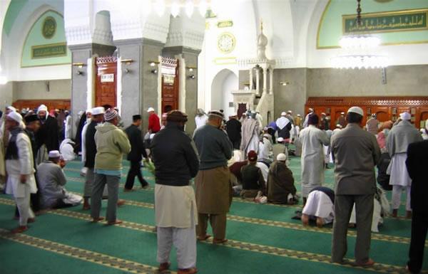L'Arabia Saudita contrasta i predicatori estremisti nelle moschee