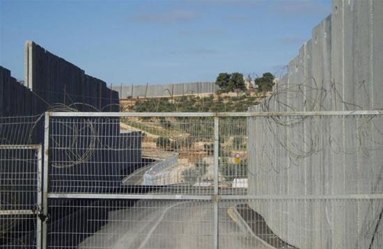 Alleggeriti i blocchi intorno ad alcune città della Cisgiordania