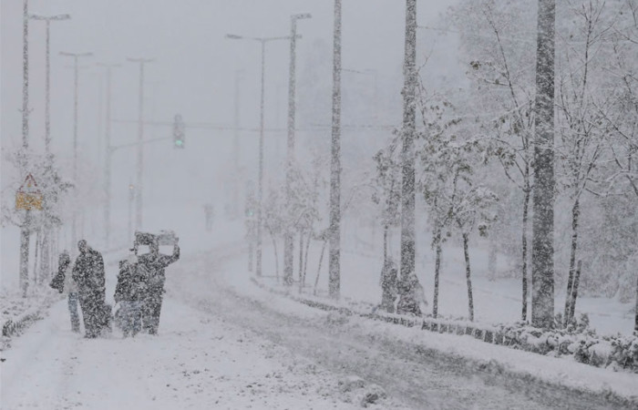 Freddo, neve e nubifragi in Terra Santa Nuovi disagi per i profughi siriani