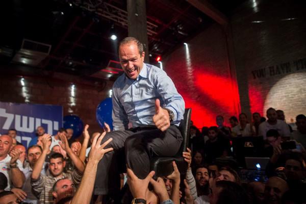 Gli elettori israeliani ridanno fiducia ai sindaci uscenti