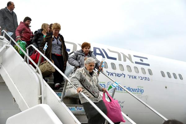 Un abbraccio intorno agli ebrei d'Europa