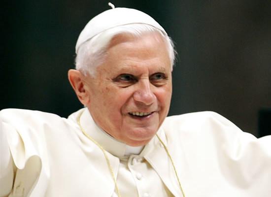 Benedetto XVI: «In Terra Santa c'è bisogno di un credibile impegno di pace»