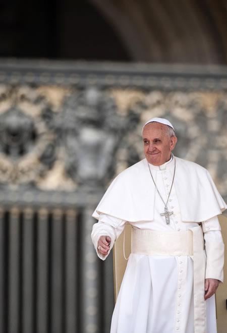 Il Papa consola e rincuora i cristiani del Medio Oriente con una lettera natalizia