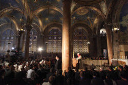 Al Getsemani un esame di coscienza per il Papa e i religiosi