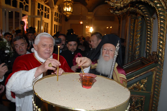 Dopo il viaggio papale i cristiani turchi si attendono più libertà