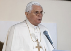 Il Papa agli ambasciatori: sia pace in Medio Oriente
