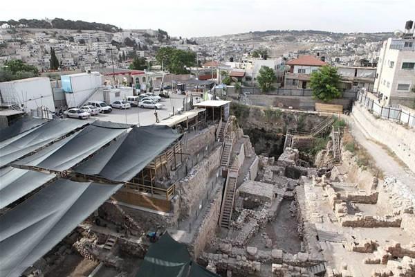 Gli scavi del Parcheggio Givati, nel quartiere palestinese di Silwan, a Gerusalemme Est. (foto Emek Shaveh) [1/2]