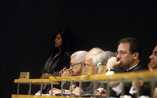Cento personalità cristiane palestinesi con il presidente Mahmoud Abbas