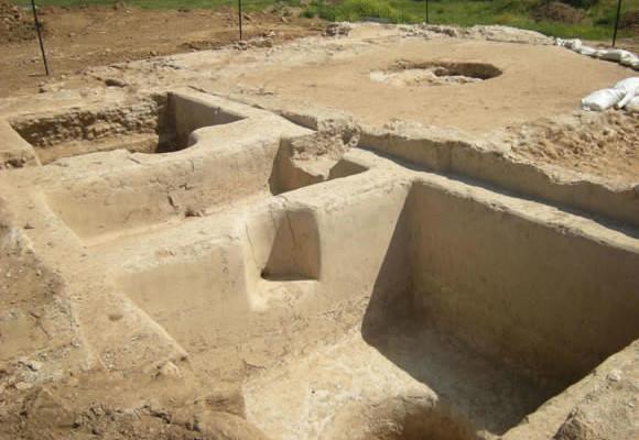Gli scavi archeologici nell'area del pressoio riportato a cielo aperto non lontano da Ashkelon. (foto S. Ganor/Iaa)