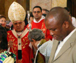 Il patriarca Sabbah: «Digiuniamo e preghiamo per la pace»