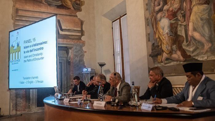 Sammak partecipa a uno dei panel dell'incontro Ponti di Pace, promosso da Sant'Egidio a Bologna.