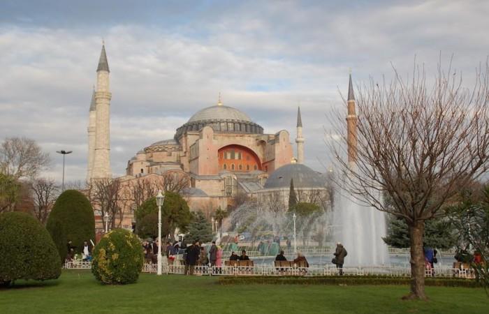 Con Erdoğan Santa Sofia torna moschea?