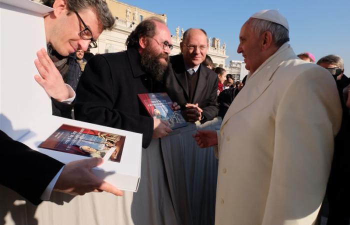 Papa Francesco e il Natale di Topo Jorge