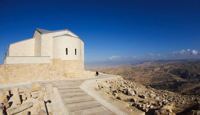L'abside della basilica del Monte Nebo oggi dopo i lavori di ristrutturazione.