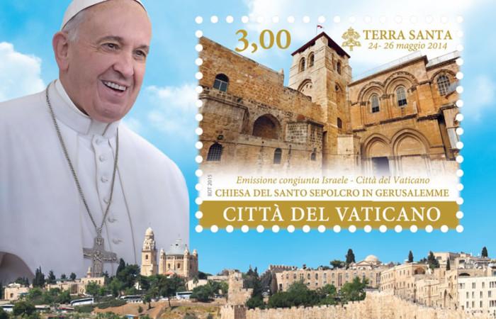 Il francobollo celebrativo emesso dal Vaticano per commemorare il pellegrinaggio papale di Francesco in Terra Santa. (clicca sull'immagine per aprire la galleria fotografica)
