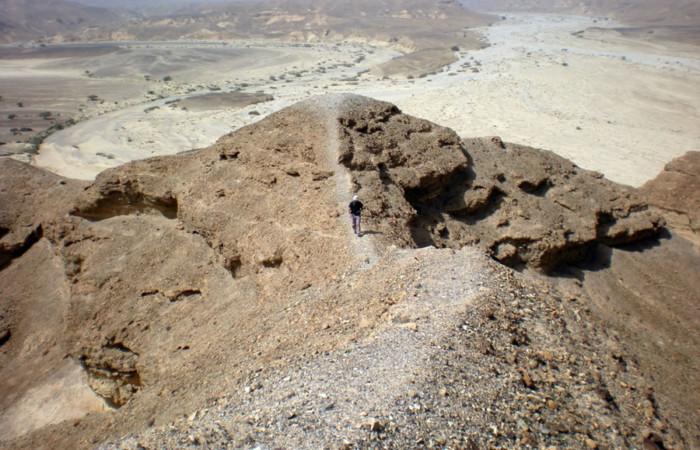 Un sentiero in quota nel deserto di Paran (Israele).