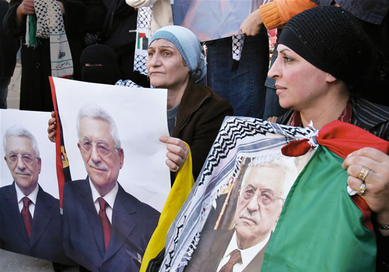 Abu Mazen forza la mano: «Nuove elezioni per l'Anp»
